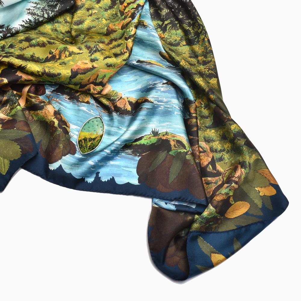 """Détail foulard """"Rivière"""" de la collection """"Paradis Perdus"""""""